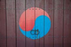 Traditionell koreansk dörr Royaltyfri Fotografi