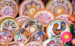 Traditionell kulör krukmakeri royaltyfri foto