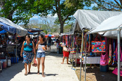 Traditionell lördag marknad i San Ignacio, Belize Arkivbild