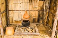 traditionell lerakruka på kolugnen Fotografering för Bildbyråer