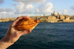 Traditionell maltesisk bakelse Pastizzi arkivbilder