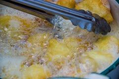 Traditionell mat för söta bunuelos från Guatemala Fotografering för Bildbyråer