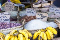 Traditionell matmarknad i Zanzibar, Afrika Fotografering för Bildbyråer