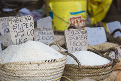 Traditionell matmarknad i Zanzibar, Afrika Arkivfoto