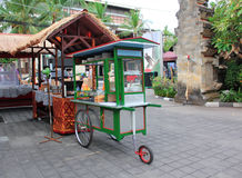 Traditionell matvagn, Bali, Indonesien Arkivfoto