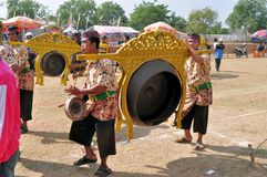 Traditionell musik på det Madura tjurloppet, Indonesien Royaltyfri Foto