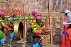 Traditionell musik på det Madura tjurloppet, Indonesien Arkivbild