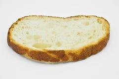 Traditionell ny och smaklig skiva för vitt bröd Skorpa klipp arkivbild