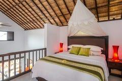 Traditionell och antik sovrumvilla i Bali Royaltyfri Fotografi