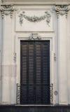 Traditionell och kolonial fasad Arkivbilder