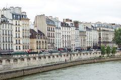 Traditionell parisisk cityscape Royaltyfria Bilder