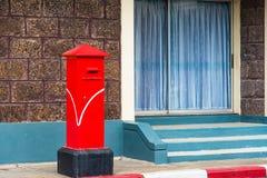 Traditionell röd stolpeask i Thailand Fotografering för Bildbyråer