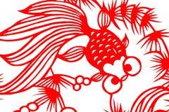 Traditionell röd papperssnittfisk Royaltyfria Bilder