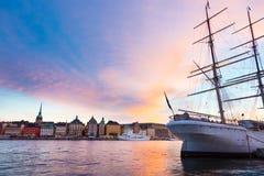 Traditionell seilboat i stan Gamla, Stockholm, Sverige, Europa Arkivbild