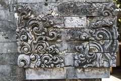 Traditionell sniden stenprydnad för Balinese Royaltyfria Bilder