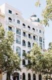 Traditionell spansk arkitektur i i stadens centrum Madrid arkivfoton