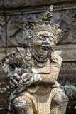 Traditionell stenskulptur i tempel Ubud ö Bali, Indonesien fotografering för bildbyråer