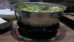 Traditionell taiwanesisk varm kruka stock video