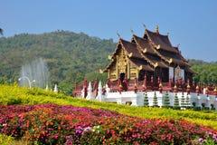 Traditionell thai arkitektur i Lannaen utformar Arkivfoton