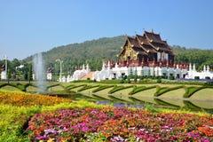 Traditionell thai arkitektur i Lannaen utformar Arkivbilder