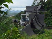 Traditionell thailändsk arkitektur med dess unika tak, Thailand Arkivbilder