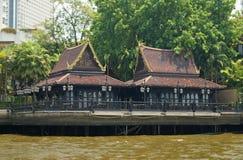 Traditionell thailändsk restaurang i Bangkok Arkivbild