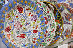 Traditionell turkisk iznik pläterar Arkivbilder