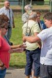 Traditionell ungersk druvahändelsedeltagare i höst i en by Badacsony 09 09 Ungern 2018 royaltyfri foto
