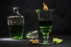 Traditionell uppsättning för att dricka absint Royaltyfri Bild