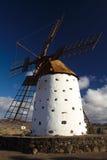Traditionell väderkvarn Arkivbild