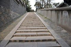 traditionell vägg för kinesisk trappa Fotografering för Bildbyråer