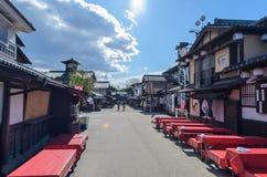 Traditionell von den japanischen Gebäuden, von der Straße, von den Bistros oder vom Restaurant Lizenzfreie Stockfotos