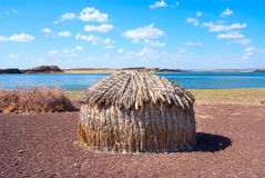 Traditionella afrikanska kojor, sjö Turkana i Kenya Royaltyfria Foton