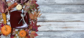 Traditionella Autumn Thanksgiving Dinner Setting Background Arkivbild