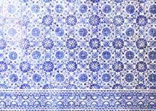 Traditionella Azulejo mosaiska tegelplattor, Portugal livstil arkivbild