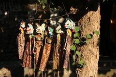 Traditionella Balinesedockor i utomhus- i solig dag Arkivbilder