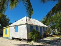 traditionella caymanhusöar Fotografering för Bildbyråer
