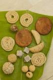 Traditionella ceremoniella indiska sötsaker och mellanmål från Indien Fotografering för Bildbyråer