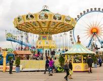 Traditionella Chairoplane på Oktoberfest i Munich Fotografering för Bildbyråer