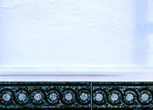 Traditionella dekorativa spanska dekorativa tegelplattor, original- cerami Arkivfoton