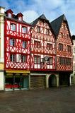 traditionella europeiska facades Arkivfoto