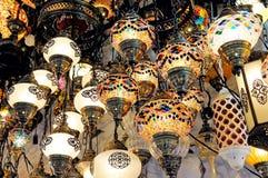 Traditionella färgrika turkiska glass lampor Royaltyfri Foto