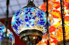 Traditionella färgrika turkiska glass lampor Royaltyfri Bild