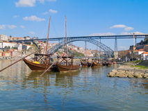 Traditionella fartyg för portvin, Porto, Portugal arkivfoton