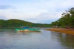 Traditionella fartyg i lagun av den Coron ön, Palawan landskap, Filippinerna Arkivbild