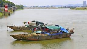 Traditionella fiskebåtar, porslin Royaltyfria Foton