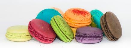Traditionella franska färgrika makron  Arkivbild