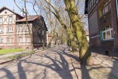 Traditionella gamla tegelstenhus i Zabrze Arkivfoto