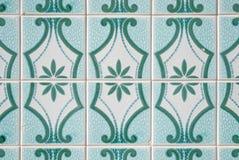 traditionella glasade portugisiska tegelplattor Arkivfoton