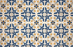 traditionella glasade portugisiska tegelplattor Royaltyfria Foton